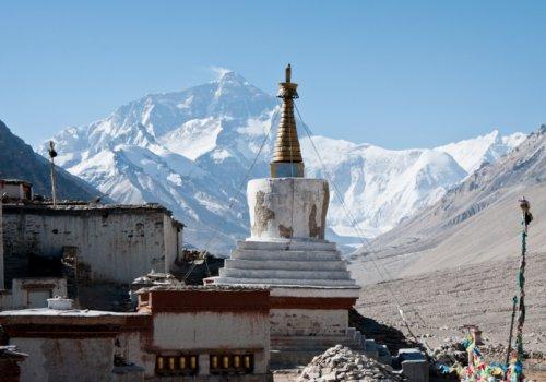 Reconstruction d'une stupa (Népal) - 21h15